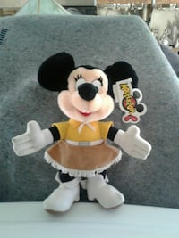 Western Minnie mouse stuffed toy.