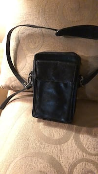 Leather purse many compartments for cash and credit cards 371 mi