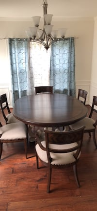 Dining table set, expandable  Gainesville, 20155