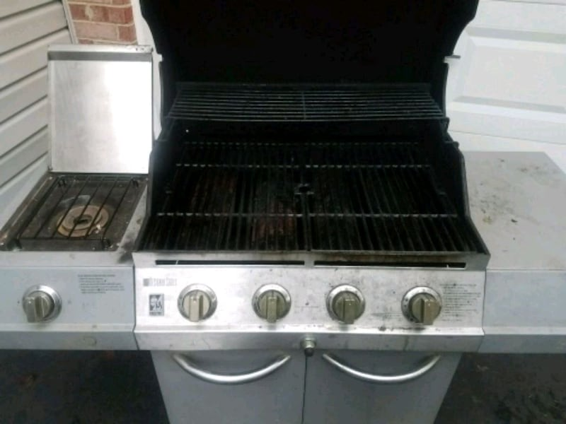 Charbroil grill 0