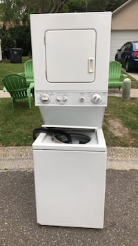 white stackable washer and dryer Valrico, 33596