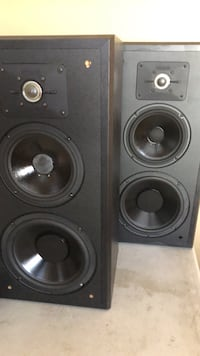 special Two black 3 way speakers Pitt Meadows, V3Y
