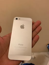 Iphone 5s 16GB Silver, almost new condition, without box, without accessories Burnaby, V3N 3N9