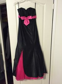 Laura Petite Evening Dress, Black & Pink, Size 1, $150 Toronto
