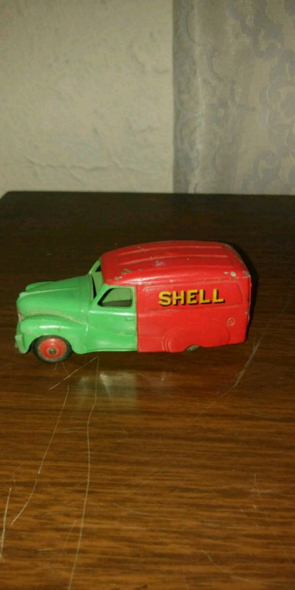 Bp Shell Dinky Toy , Austin 470 , Made In England
