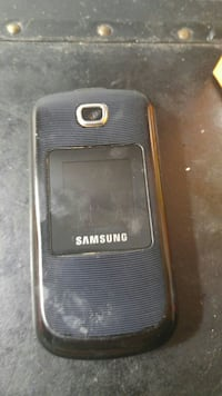 Bell flip phone charger case too Saint John, E2M