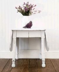 Drop leaf end table  Aldie, 20105