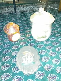 Mushroom plaque/cookie jar/tea candle holder Hagerstown, 21740