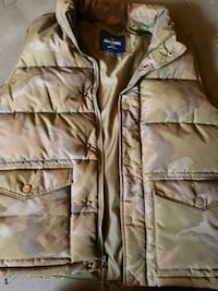 Men's small old navy vest  Stony Plain, T7Z 0C9