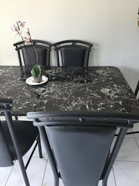 Kitchen table with 6 chairs!  Brampton, L7A 2J5