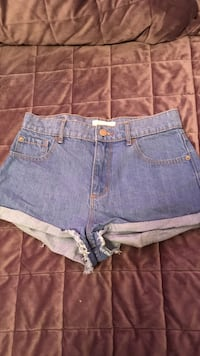 women's blue denim short shorts Montréal, H3X 2X5