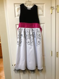 Beautiful party dress age 14 to 16 yrs Beaverton, 97007