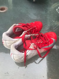 Used in good shape 5.5 Youth football shoes