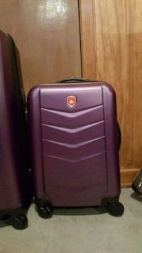 Selling Brand New Canada Luggage 2-peice set London, N5Y 4H7