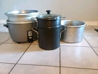 two stainless steel cooking pots Kenner, 70065