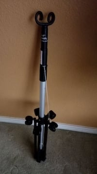 Retractable IV bag holder pole stand with wheels in like new condition