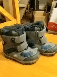 Childs winter boots, sz 8 Elmvale, L0L 1P0