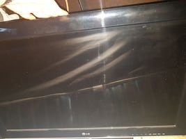 """32"""" LG 1080p TV like new in box"""