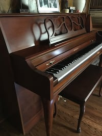 Baldwin Piano Cherry Wood 28 km