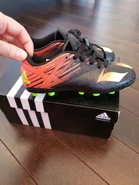 Addidas soccer shoes  Laval, H7K 0A5