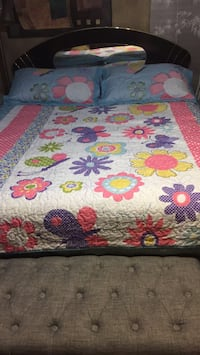 Full size reversible quilted bedding set