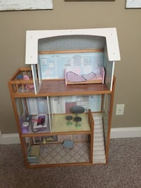 KidKraft dollhouse with furniture. Like new. Pick up in Gallatin. Reduced! Gallatin, 37066
