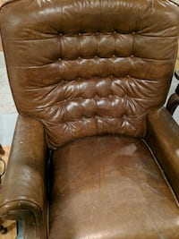 tufted brown leather sofa chair Philadelphia, 19125