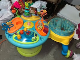 Child's walk/run bouncer and play baby station!