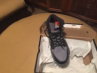 Black and gray air jordan basketball shoe 59 km