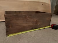 Antique wooden crate. Rustic and cute! Downers Grove, 60515