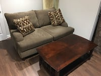 Loveseat and coffee table Germantown, 20874