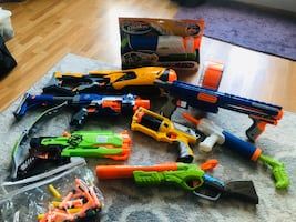 Nerf/ SuperSoaker  9piece lot