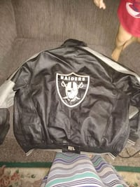 black and white Oakland Raiders jacket Golden, 80401