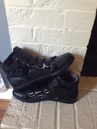 Pair of black sneakers/dress shoes  Richlands, 28574