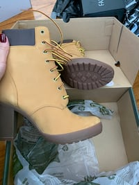 Timberland ankle boots  Vaughan, L4J 6T4