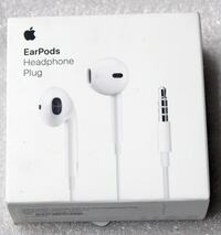 APPLE WIRED EARPODS WITH REMOTE AND MIC (WHITE) A1472 - MNHF2AM/A