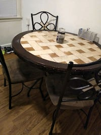 Dining table  Dundalk, 21222