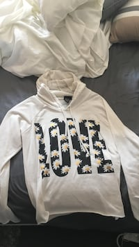 White and black floral pull-over hoodie Rockvale, 37128