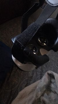 VR HeadSet - works with any phone  Carson, 90746