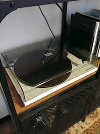 Record Player / Turntable by pro-ject with Preamp