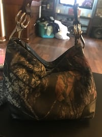 Camo purse and wallet  Gerrardstown, 25420