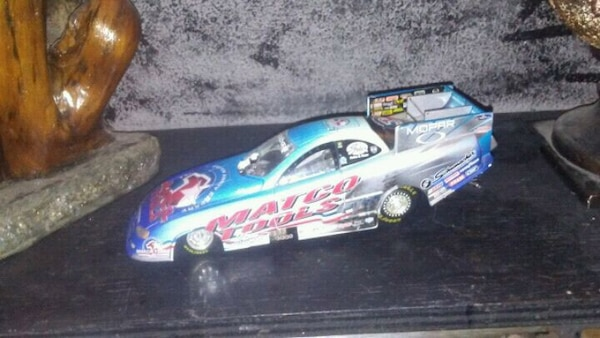 1:24 scale drag car