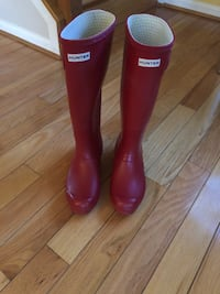 Red Hunter Boots Sz 8 Silver Spring, 20902