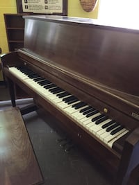 PRICE SLASHED Baldwin Hamilton Upright Piano