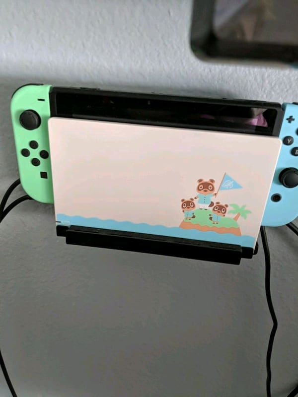 Sold Nintendo Switch Animal Crossing Edition 2 Pro Controllers