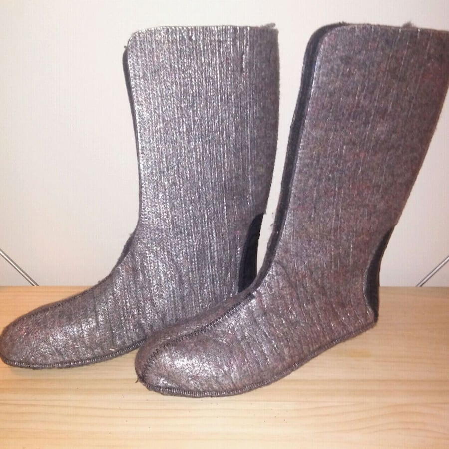 Rubber boot liners mens SIZE 10 but fit more like