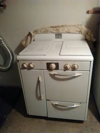 FREE WORKING 50's VINTAGE STOVE RIGHT NOW  New York, 11236