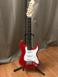Red and white Fender Squire Mini stratocaster electric guitar Miami, 33173