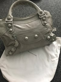 women's gray leather shoulder bag Toronto, M3J