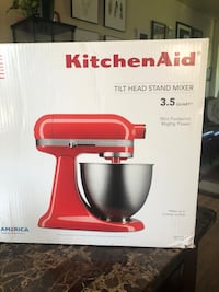 Brand New Kitchen Aid Mixer - Do not message me about negotiations! Toronto, M9W 5N9